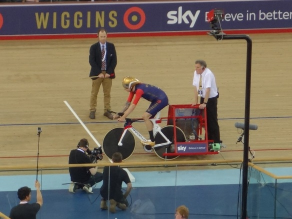 Bradley Wiggins on the blocks before the bell in his record breaking hour cycle ride